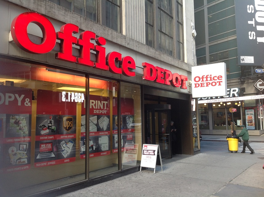 office depot simplifies shopping shopomni officedepot ad gay nyc dad. Black Bedroom Furniture Sets. Home Design Ideas