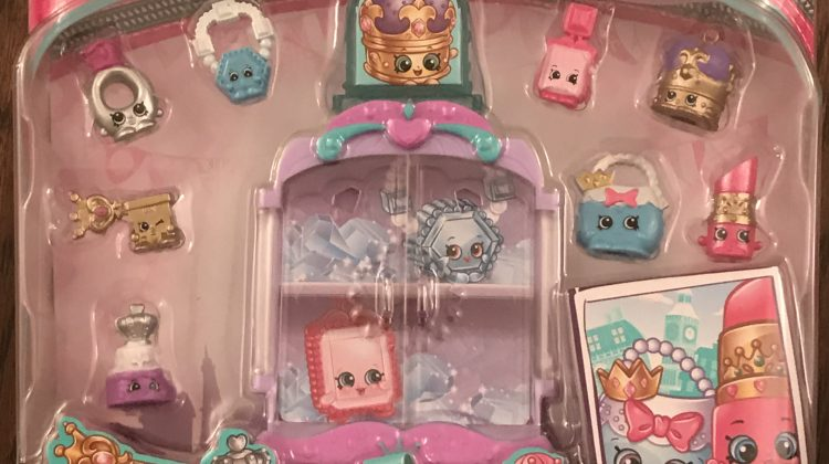 Giveaway – 8 Exclusive Shopkins & Their Regal Jewelry Case from Moose Toys! @Moose_Toys #Shopkins