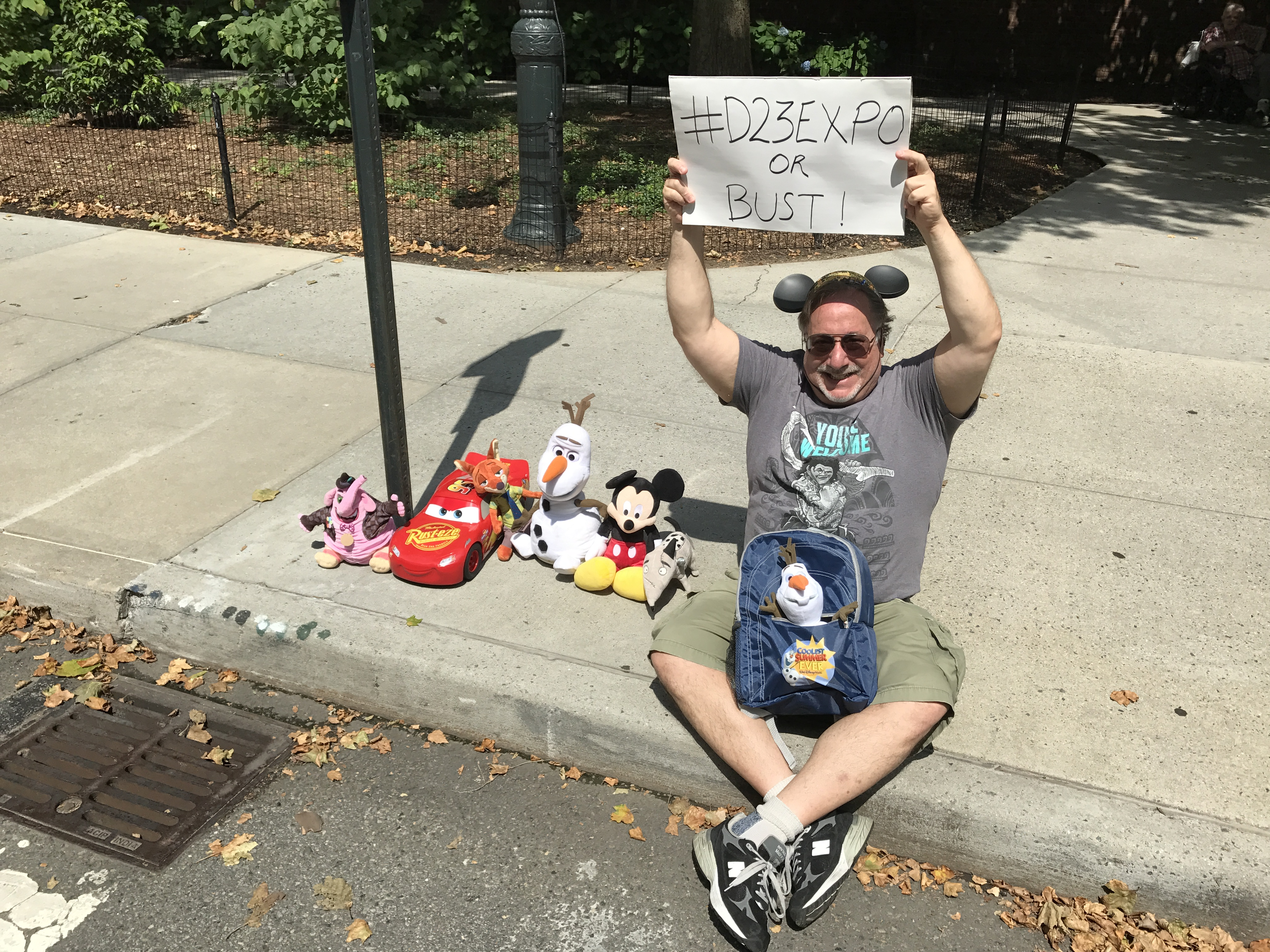 """#D23Expo, Or Bust! w/Linky! #Disneyland #SummerOfHeroes #DuckTales"""