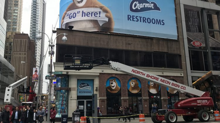 Stuck in Times Square, NYC And Need a Bathroom? @Charmin Has You Covered! #EnjoytheGo #ad