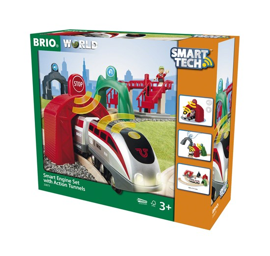 BRIO's SmarTech Engine Set with Action Tunnels
